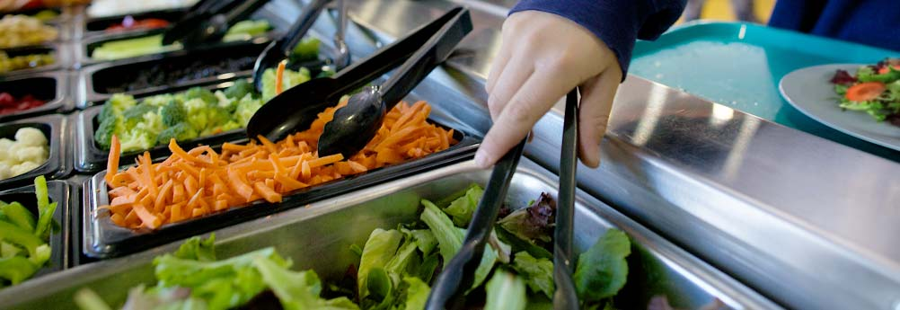 Top 10 Reasons Why Your School Should Have a Salad Bar ...