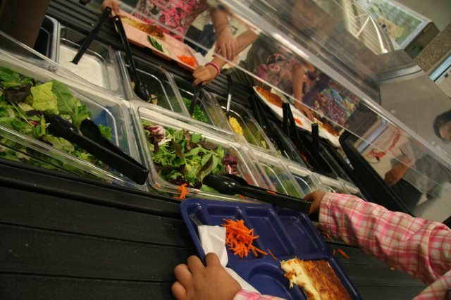 School Salad Bars Make the Grade