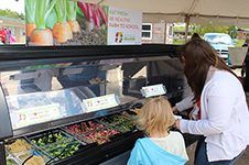 Expanding Farm to School through Salad Bars